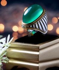 انگشتر عقیق سبز کهنه و طبیعی