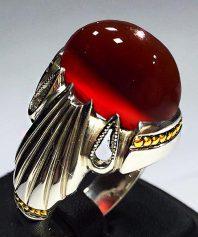 انگشتر عقیق سرخ یمنی بسیار خوش آب و رنگ طوقدار و خوش طبع با پایه فدیوم مدل ۴ اشک A-595