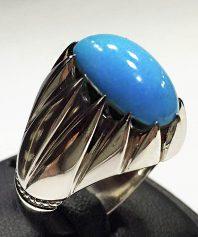 انگشتر فیروزه نشابوری بسیار خوش آب و رنگ و خوش طبع با پایه فدیوم مدل چنگی بی تقصF-67 (فروخته شد)