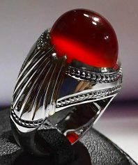 انگشتر عقيق سرخ يمني ابدار شفاف