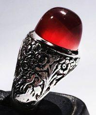 انگشتر عقيق سرخ يمنی كلاهدار