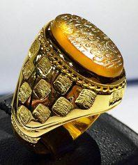 A-659 انگشتر عقیق زرد یمنی خطی کهنه به تاریخ ١.٨١ه ق دوره صفوی تراشدار سبطی زیرو رو تراش با پایه تمام طلا مدل آجری (فروخته شد)