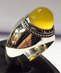 انگشتر عقيق زرد كهنه با پايه نقره مدل عرب