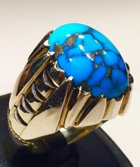 انگشتر فیروزه نیشابوری شجر بسیار خوش آب و رنگ و خوش طبع و کهنه با پایه فدیوم مدل هلالی F-72
