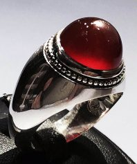 انگشتر عقیق سرخ کهنه صد درصد طبیعی با پایه نقره مدل عرب A-548