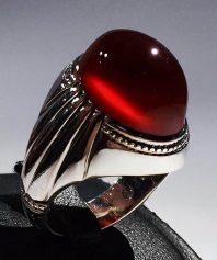 انگشتر عقیق سرخ بینهایت آبدار و خوش رنگ اثری جاودانه و فاخر از استاد جدی A-589