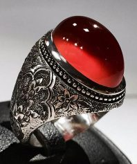 انگشتر عقیق سرخ یمنی بی نهایت آبدار لامپی با پایه فدیوم مدل عرب و قلم زیبا و بی همتا A-637