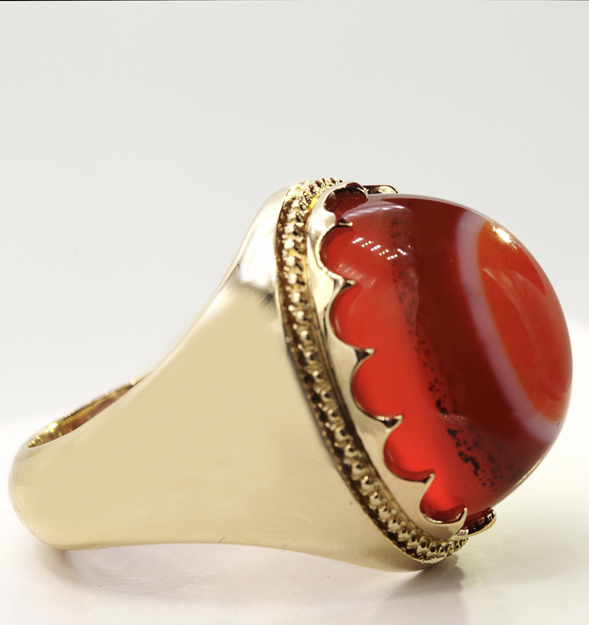 انگشتر عقیق یمنی کهنه سه پوست با پایه طلا