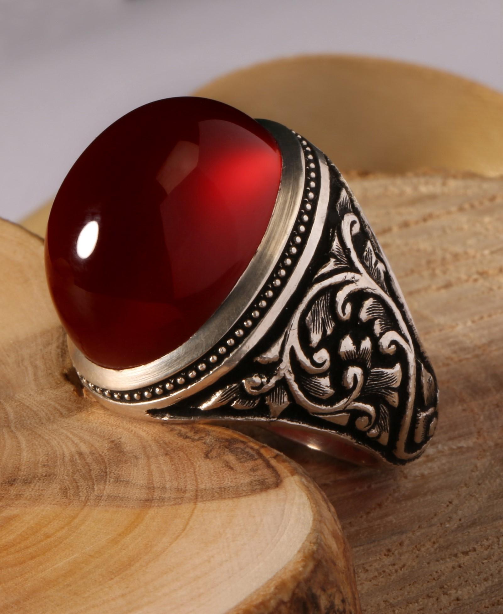 A-1461 انگشتر عقیق سرخ طبیعی با پایه دست ساز نقره و قلم زنی حرفه ای