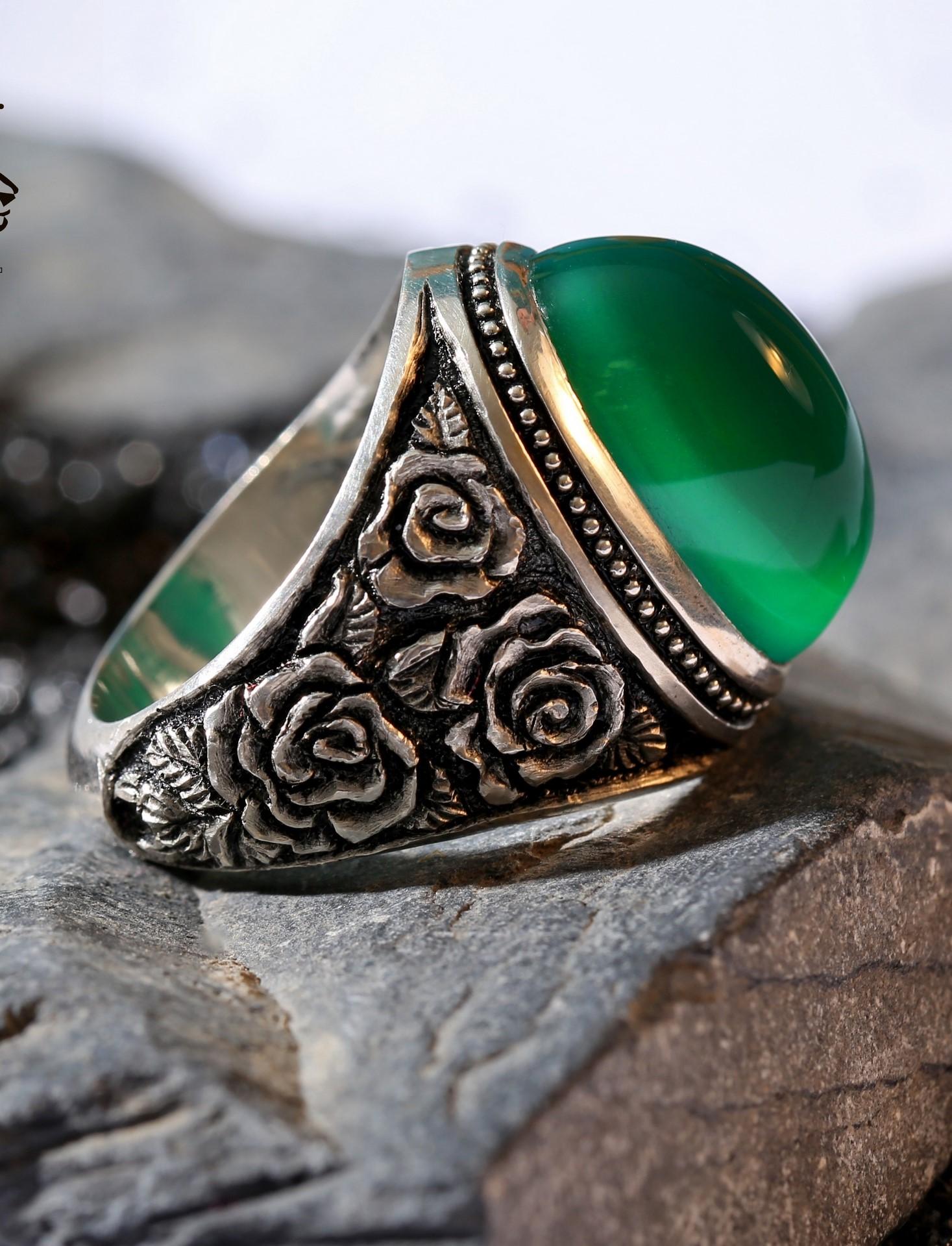 A-1433 انگشتر عقیق سبز کهنه طبیعی با پایه فدیوم