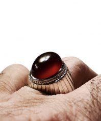 انگشتر عقيق سرخ يمني تراشدار بکر و دست نخورده