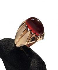 A-948 انگشتر عقیق سرخ یمنی کهنه با طبع و رنگی عالی