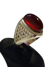 انگشتر عقيق سرخ يمني كهنه بينهايت ابدار بهترين طبع و رنگ