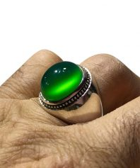 انگشتر عقيق سبز كهنه بسيار ابدار و استثنايي بهترين طبع