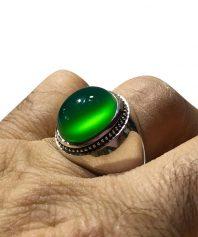 A-960 انگشتر عقیق سبز کهنه بسیار ابدار و استثنایی  بهترین طبع