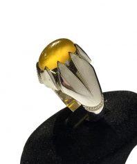 انگشتر عقيق زرد يمني كهنه بينهايت ابدار با پايه فديوم مدل ٨ چنگ دقيق