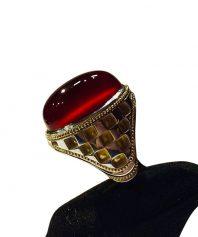 انگشتر عقيق سرخ يمني كهنه اخر طبع و رنگ