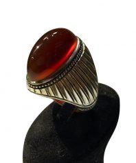 A-988 انگشتر عقیق سرخ یمنی  کهنه بهترین طبع و رنگ طوق دار ابدار