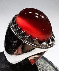 انگشتر عقیق سرخ یمنی کهنه طوقدار کلاهدار بسیار ابدار و شفاف با پایه فدیوم مدل عرب A-618
