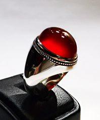 انگشتر عقیق سرخ یمنی درشت ابدار کهنه با پایه مدل عرب بسیار دقیق A-358 (فروخته شد)
