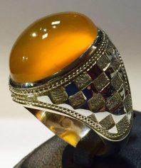 A-683 انگشتر عقیق زرد یمنی با رنگی استثنایی